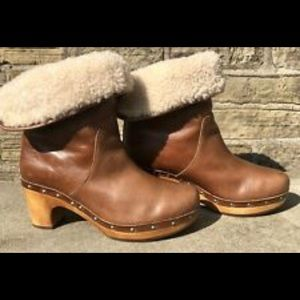 UGG Australia Brown Leather Booties.